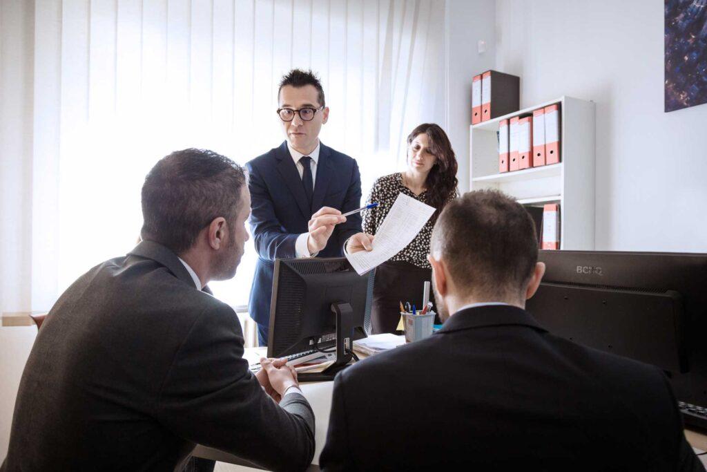 Consulenza__studiofelcioni_associati_roseto_abruzzo_commercialista_soluzioni nell'ambito delle problematiche di carattere contabile